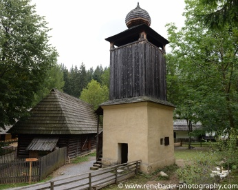 2017.9_EastEurope_wooden_church-14