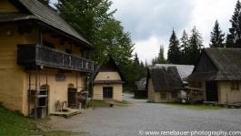 2017.9_EastEurope_wooden_church-16
