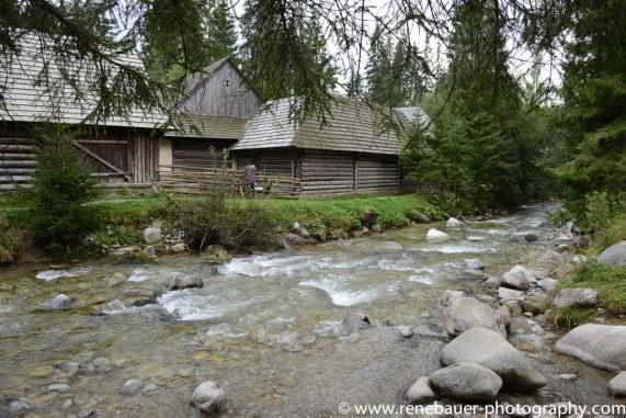 2017.9_EastEurope_wooden_church-19