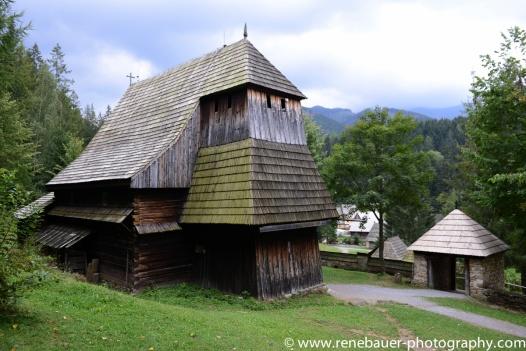 2017.9_EastEurope_wooden_church-23
