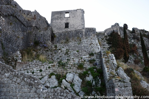 2017.9_EastEurope.53_kotor_castle_sea-15