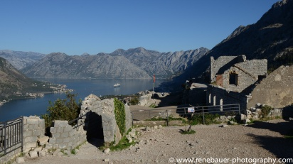2017.9_EastEurope.53_kotor_castle_sea-20