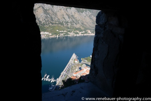 2017.9_EastEurope.53_kotor_castle_sea-24