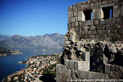 2017.9_EastEurope.53_kotor_castle_sea-26