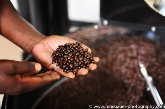 2018.11_Arusha_coffeeroasting-9